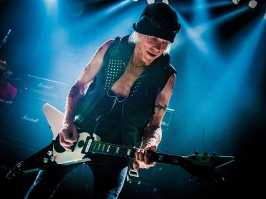 michael_schenker_by_laurence_harvey[1]